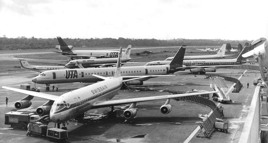 Libreville, l'aéroport Léon M'Ba un vendredi matin.